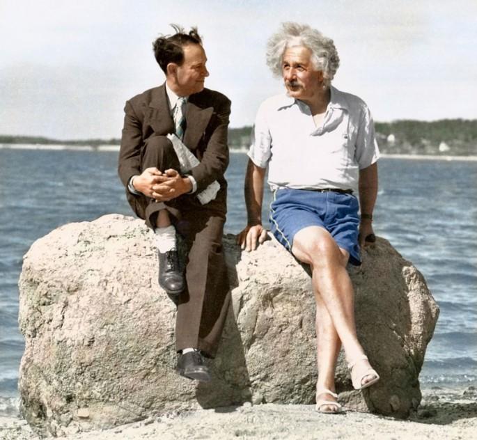 ALBERT EINSTEIN, LONG ISLAND ca, 1939